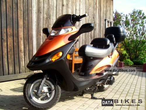 Kymco  Spacer 125 2001 Scooter photo