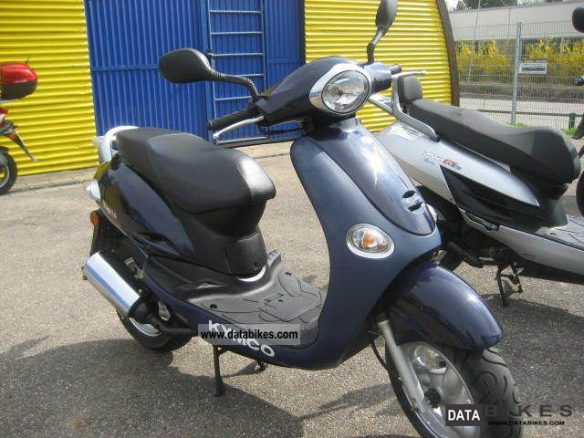 2003 kymco yup 50 of the cool retro scooter. Black Bedroom Furniture Sets. Home Design Ideas