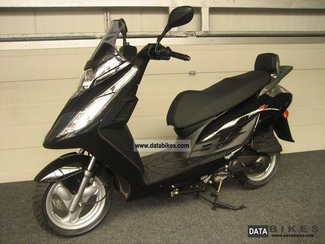 2011 kymco yager gt 50. Black Bedroom Furniture Sets. Home Design Ideas