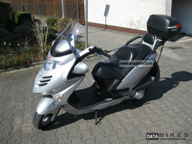 2005 Kymco  125 Motorcycle Scooter photo