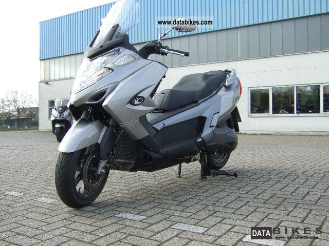 2011 Kymco  My 700i Road Motorcycle Scooter photo