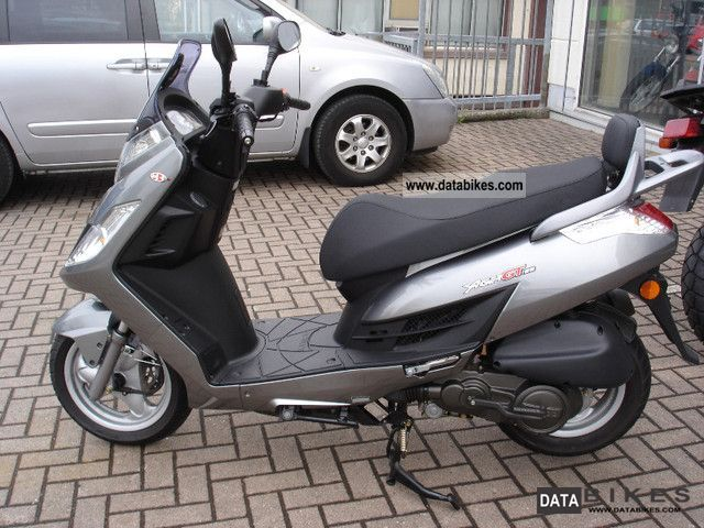 2010 kymco yager gt 125. Black Bedroom Furniture Sets. Home Design Ideas