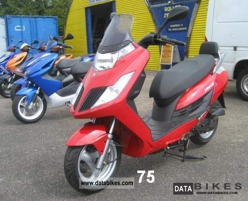 Kymco  Yager GT 50 from 1 Hand well maintained 2008 Scooter photo