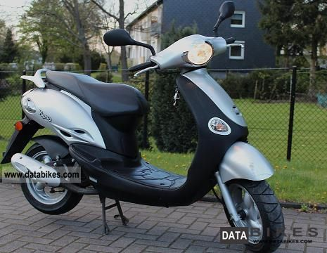 Kymco  Yup 50 2004 Scooter photo