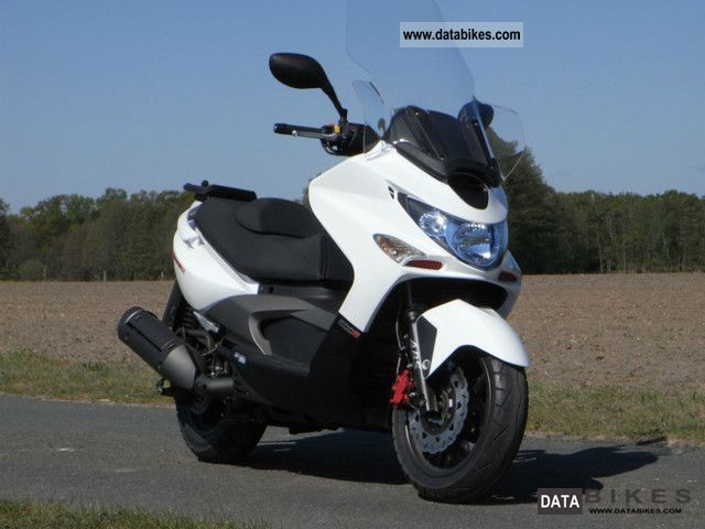 Kymco  Xciting 500 Ri ABS 2010 Scooter photo