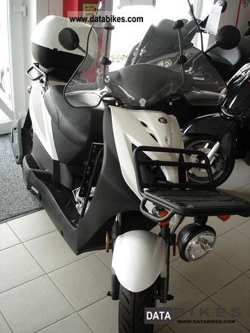 2011 Kymco  Carry Motorcycle Scooter photo