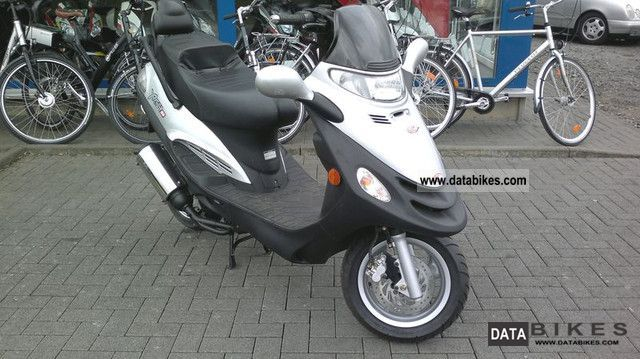 2006 kymco yager 50 with only 13 km mileage. Black Bedroom Furniture Sets. Home Design Ideas