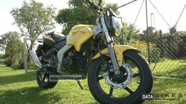 2011 Kymco  Naked Quannon Motorcycle Lightweight Motorcycle/Motorbike photo
