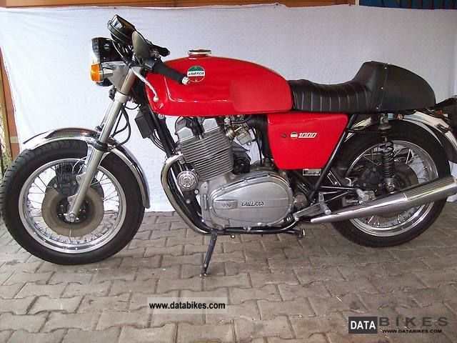 Laverda  1000 3CL 180 ° 1977 Vintage, Classic and Old Bikes photo