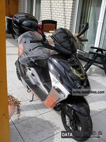 2003 Malaguti  Firefox LC F 15 E2 Motorcycle Scooter photo