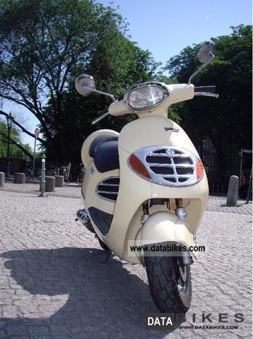 2000 Malaguti  Yesterday 50 Motorcycle Scooter photo