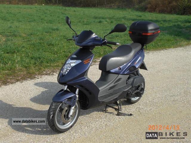 2001 Malaguti  F18 Warrior Motorcycle Scooter photo
