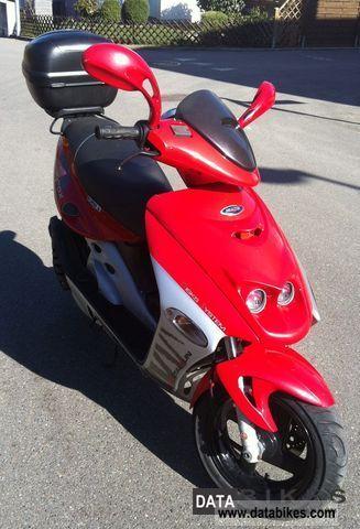 2004 Malaguti  Firefox Motorcycle Scooter photo