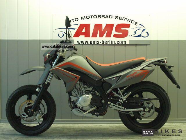 2011 Malaguti  X3M Supermoto only 88km Winter Sale!! Motorcycle Super Moto photo