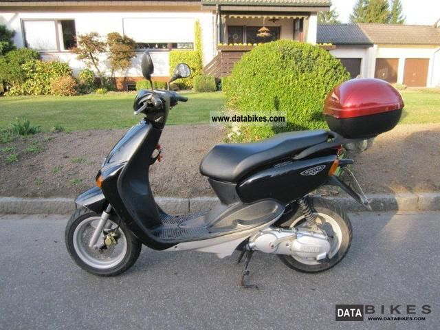 2002 MBK  Ovetto 100 Motorcycle Scooter photo