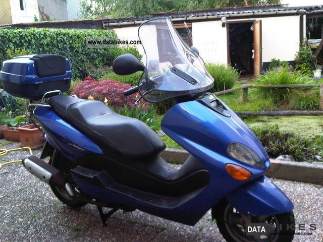 1999 MBK  Skyliner 125 Motorcycle Scooter photo