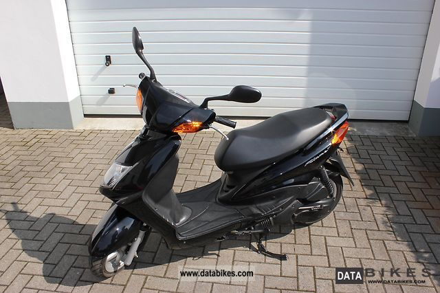 2004 MBK  Flame X Motorcycle Scooter photo