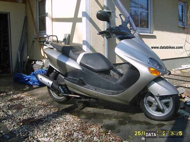 2001 MBK  125 Skyliner Motorcycle Scooter photo