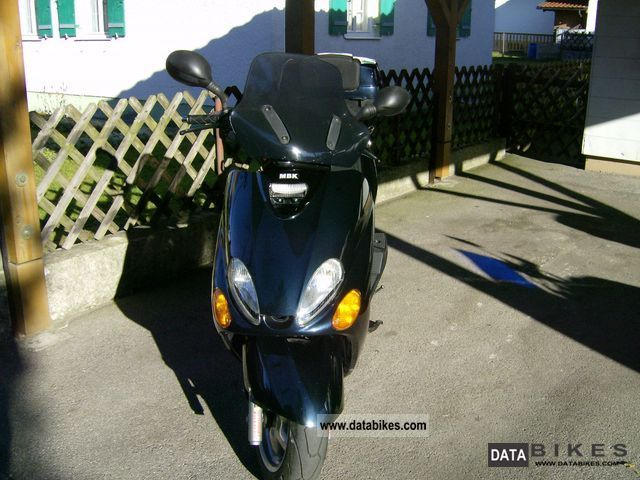 2000 MBK  Skyliner 125 / Yamaha Majesty 125 Motorcycle Scooter photo
