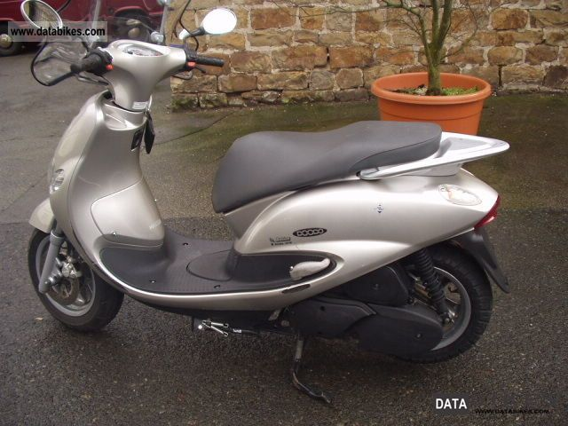 2001 MBK  Dodoo 125 Motorcycle Scooter photo