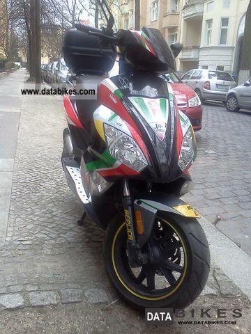 2011 Motobi  Moto 50cc B Motorcycle Scooter photo