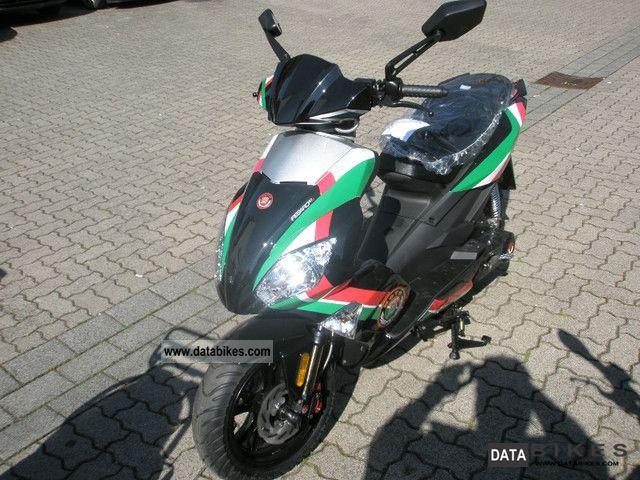 2011 Motobi  Pesaro 50/25 Moto GP 2 Collector's Edition Motorcycle Scooter photo