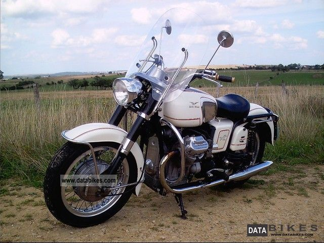 Moto Guzzi  V7-700 1969 Vintage, Classic and Old Bikes photo