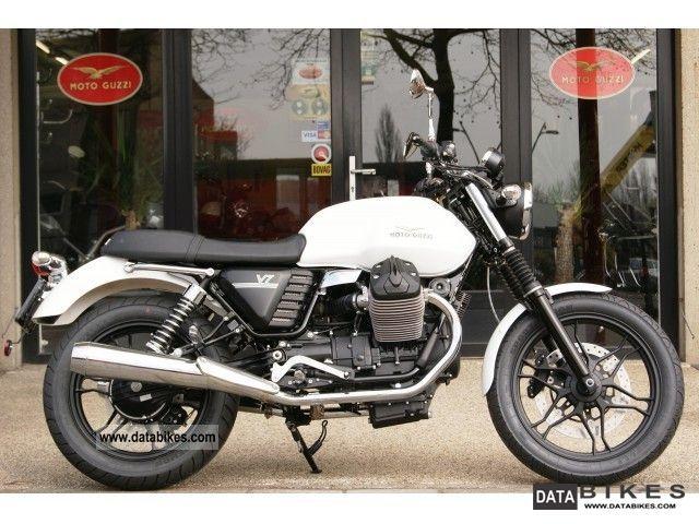2011 Moto Guzzi  V7 STONE Motorcycle Tourer photo
