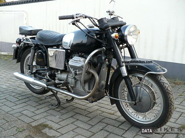 Moto Guzzi  V7 1970 Vintage, Classic and Old Bikes photo