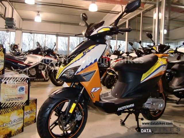 2011 motowell magnet rs 25 or moped 45 km h available. Black Bedroom Furniture Sets. Home Design Ideas