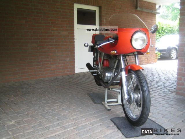 MV Agusta  125 1975 Vintage, Classic and Old Bikes photo