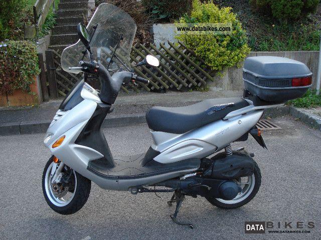 2005 Pegasus  Corona 125 Comfort Edition Motorcycle Lightweight Motorcycle/Motorbike photo