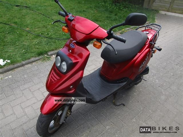 Pegasus  Sky 25 moped 2005 Scooter photo