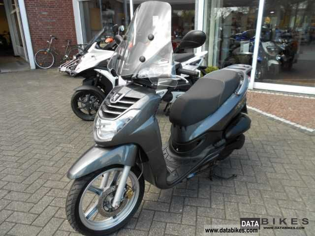 Peugeot  LXR 125/große disc checkbook maintained 2010 Scooter photo