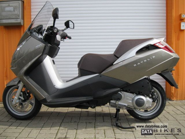 2011 Peugeot  Satelis 250 Urban A.B.S. Motorcycle Scooter photo