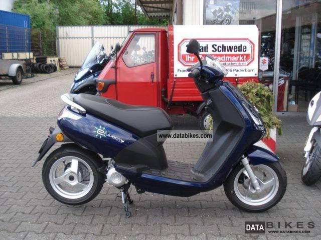 Peugeot  e-Vivacity (E-Scooter) 2011 Electric Motorcycles photo