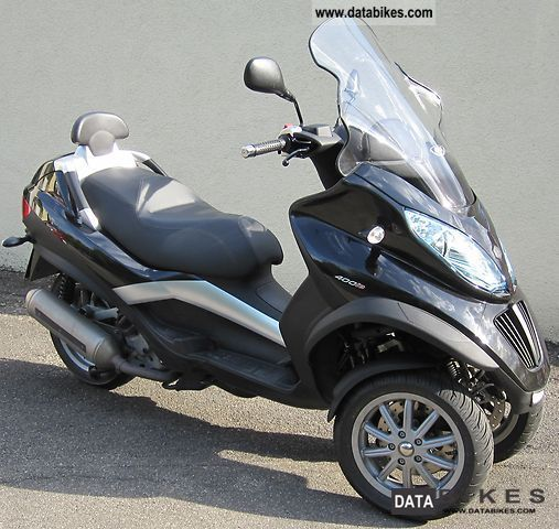 Piaggio  MP3 400 LT 2011 Scooter photo