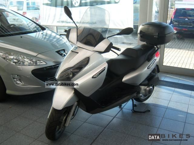2009 Piaggio  X7 125 Motorcycle Scooter photo