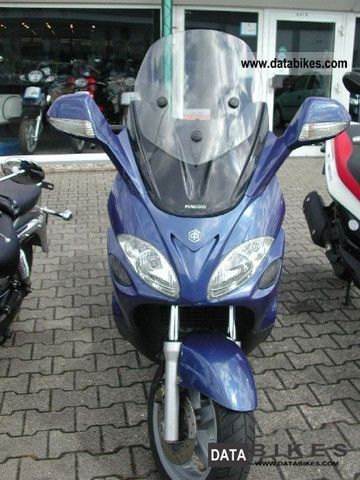 2003 Piaggio  X9 125 Motorcycle Scooter photo