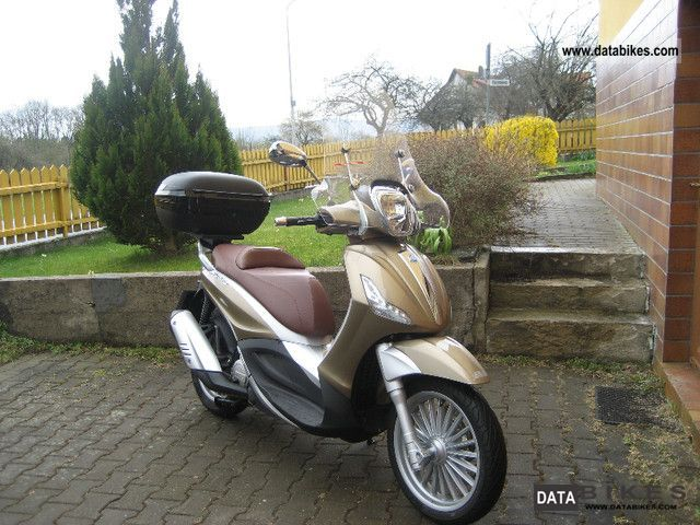 2011 Piaggio  Beverly 125 ie Motorcycle Scooter photo