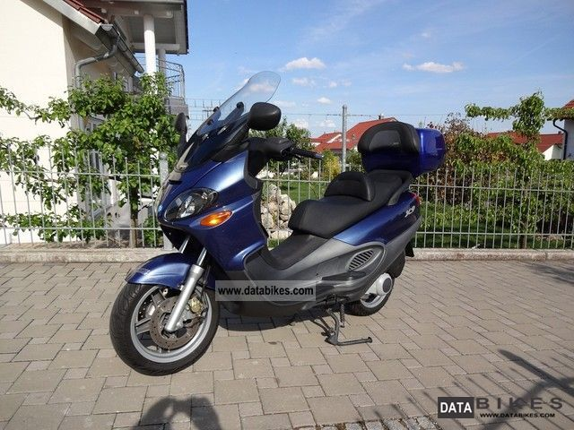 2002 Piaggio  X9 125 Motorcycle Scooter photo