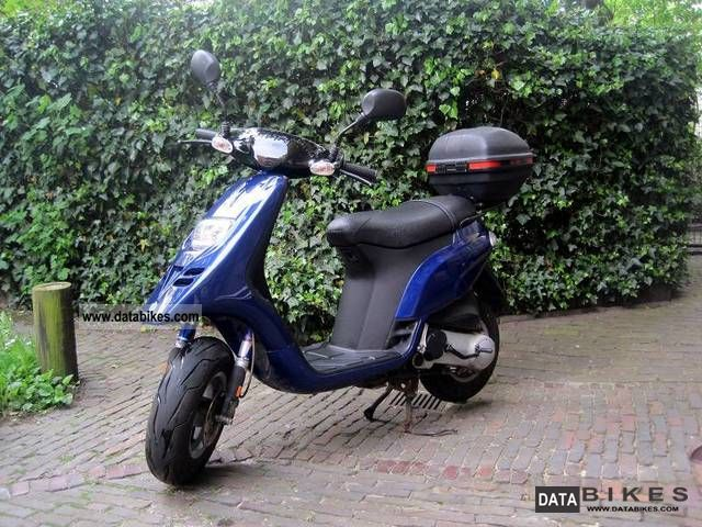 2002 Piaggio  TPH 50 Motorcycle Scooter photo