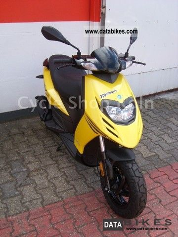 2011 Piaggio  TPH 50 Motorcycle Scooter photo