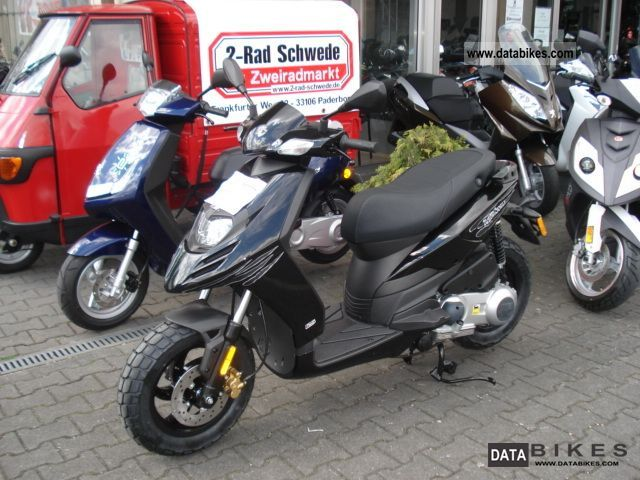 2011 Piaggio  Typhoon 125 Motorcycle Scooter photo