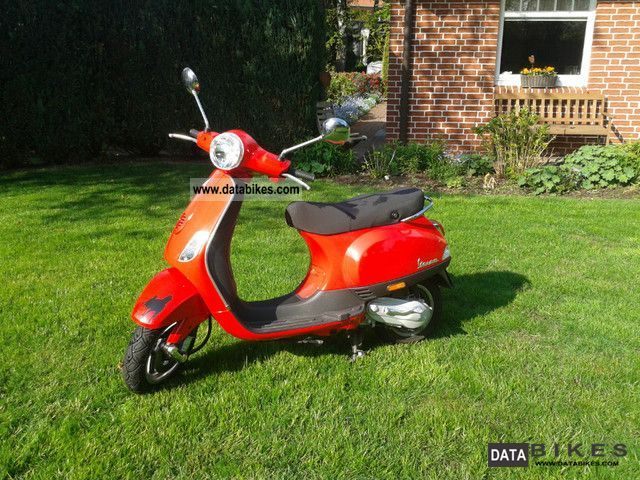 2007 Piaggio  Vespa LX 50 Motorcycle Motor-assisted Bicycle/Small Moped photo
