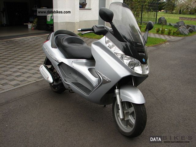 2004 Piaggio  X 8 Motorcycle Scooter photo