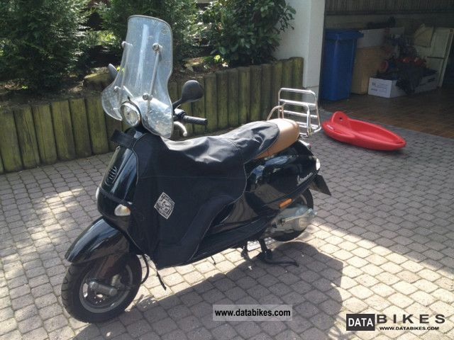 2002 Piaggio  ET 4 Motorcycle Scooter photo