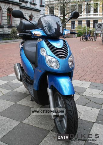 Piaggio  Carnaby 250 2010 Scooter photo