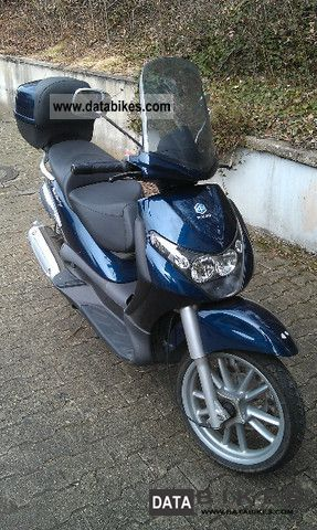 2006 Piaggio  Beverly 125 GT tires new TÜV Service Motorcycle Scooter photo
