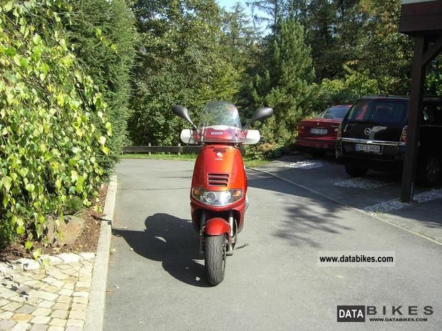 1999 Piaggio  Skipper Motorcycle Scooter photo